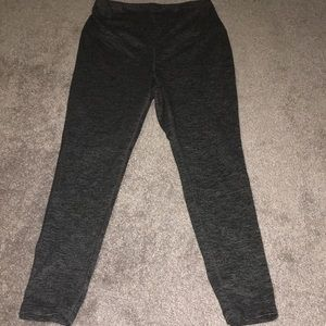 Old Navy maternity work out pants. Size L.